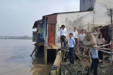 Long An: Xây dựng kè chống sạt lở bờ sông Cần Giuộc