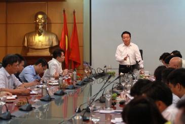 Trung Quốc cấm nhập, phế liệu ầm ầm vào Việt Nam